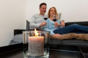 Wohnzimmer, Kerze, Pärchen